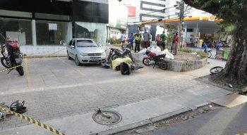 Motociclista morreu em acidente envolvendo moto e ambulância no bairro das Graças