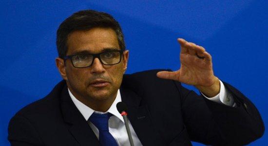 Prorrogar auxílios pode contrair economia, diz presidente do Banco Central