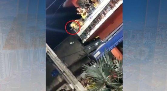 Após vice-prefeito jogar dinheiro, Ministério Público confirma investigação de vídeo em Joaquim Nabuco