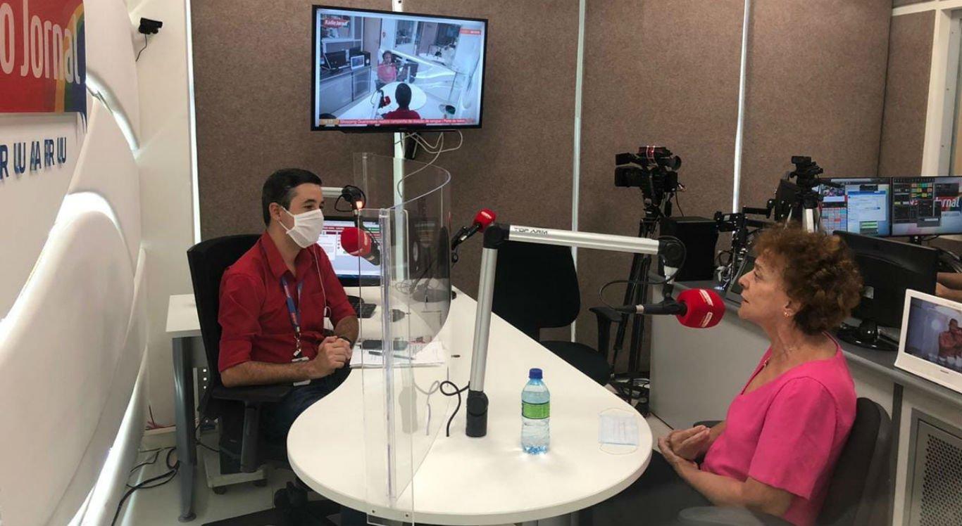 Laura Gomes (PSB) e Berg Santos na Rádio Jornal Caruaru