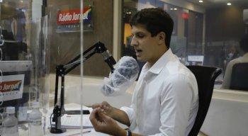 João Campos, candidato à Prefeitura do Recife, participou de debate na Rádio Jornal