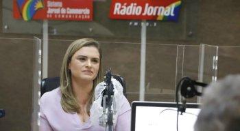 Marília Arraes, candidata à Prefeitura do Recife, participou de debate na Rádio Jornal