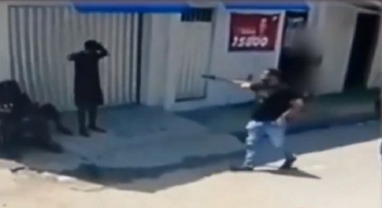 Vídeo: Polícia prende suspeitos de assaltos e arrastões em Camaragibe