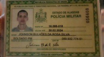 Johnson Bulhões da Rosa Silva, de 27 anos, estava com uma esposa, grávida de três meses, quando foi abordado por uma dupla em uma moto.Ele teria reagido e foi baleado na cabeça
