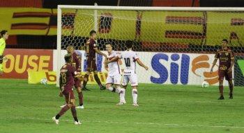 Sport perde para o Atlético-GO e fica a um ponto da zona de rebaixamento