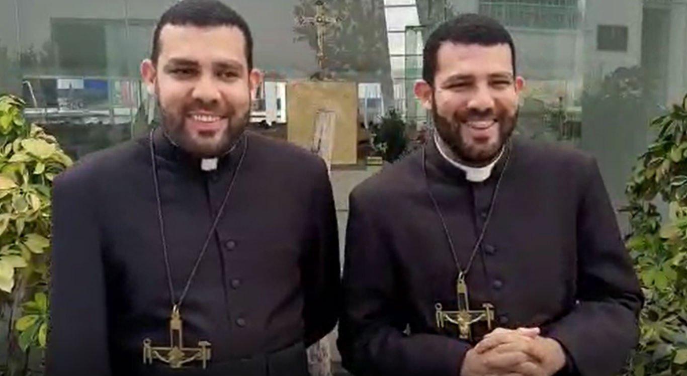 Irmãos gêmeos serão ordenados padres