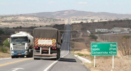 Cerca de 17 mil veículos trafegam pela BR-423 todos os dias