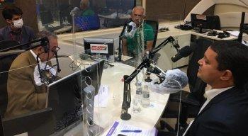 Yves Ribeiro (MDB) e Francisco Padilha (PSB) participaram de debate na Rádio Jornal