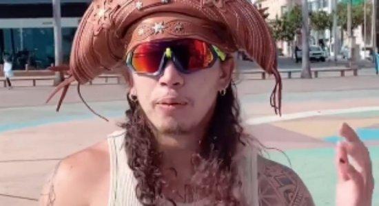 Whindersson Nunes faz gravações no Marco Zero do Recife