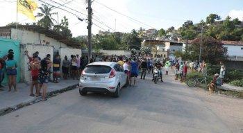 O homem foi morto a tiros no bairro da Linha do Tiro, na Zona Norte do Recife