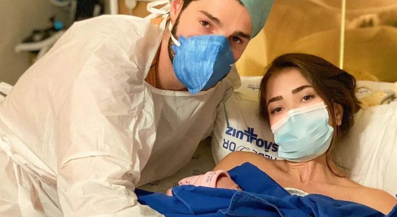 Devido a complicações por causa da covid-19, Raika veio ao mundo depois de um parto prematuro