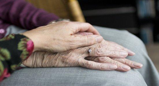 Polícia Civil deflagra operação para prender pessoas suspeitas de cometer crimes de violência contra idosos