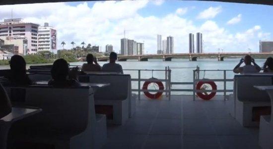 Passeio de Catamarã é uma opção de lazer em Recife