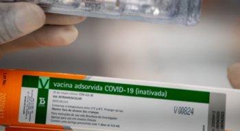 De acordo com o governo paulista, os primeiros a receber as doses da Coronavac serão profissionaisde saúde e pessoas com mais de 60 anos