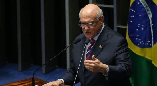 Senador Lasier Martins comenta impossibilidade reeleição de Maia e Alcolumbre e nomes para presidir Câmara e Senado