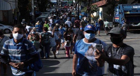Nossa Senhora da Conceição: em meio à pandemia, fiéis celebram santa
