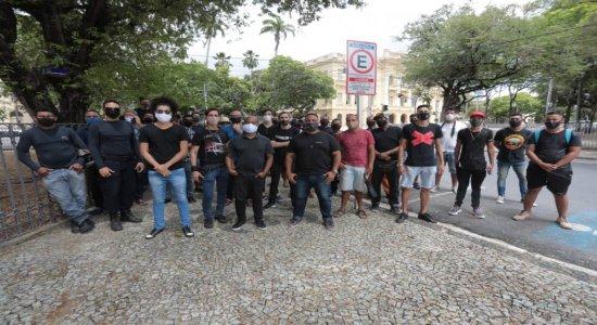 Produtores de eventos protestam no Recife por volta de atividades