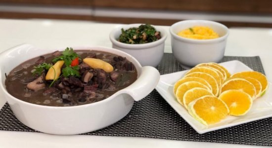 Receita deliciosa de Feijoada do chef Rivandro no Sabor da Gente