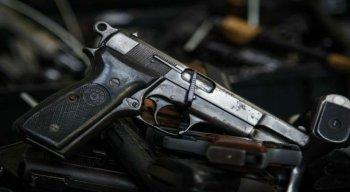 De acordo com a denúncia, as armas foram levdas pelos criminosos