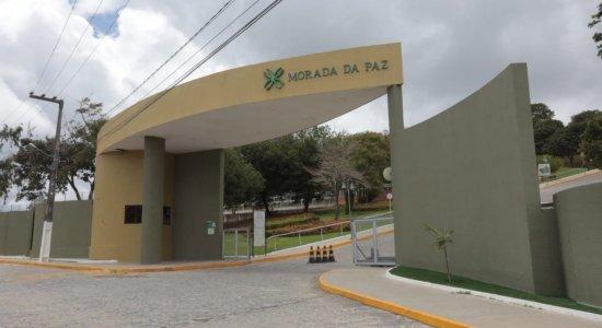 Corpo de ex-deputado federal Carlos Eduardo Cadoca é cremado