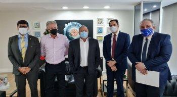 Governador Paulo Câmara e o secretário estadual de Saúde, André Longo, tiveram encontro com o ministro da Saúde