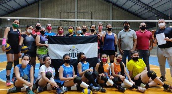 Equipe é treinada por Cláudio Nascimento