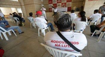 Assembléia dos rodoviários ocorre na sede do sindicato.