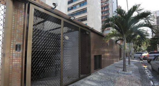 Incêndio atinge 10 veículos em garagem de prédio na Zona Sul do Recife