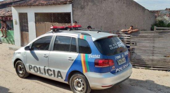 Vítima estava na companhia de mais cinco pessoas, quando foi morta na zona rural de Bezerros