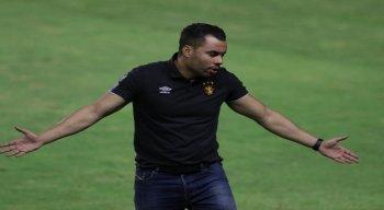 Jair Ventura fica na bronca com a arbitragem no empate do Sport com o Grêmio