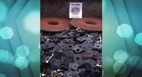 Homens são presos suspeitos de furto de material público no Ibura