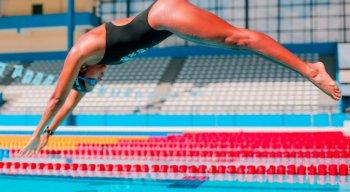 Primeira nadadora brasileira campeã mundial, Etiene Medeiros sonha com a inédita medalha olímpica