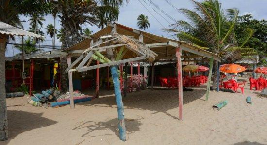 Mulher morre baleada na praia de Maria Farinha e Polícia Civil investiga