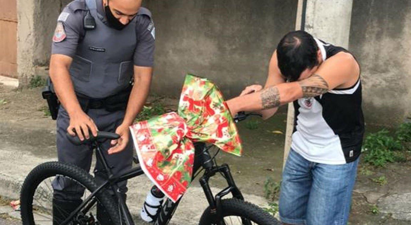 A história do entregador ficou conhecida durante abordagem policial