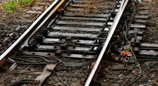 Roubo de cabos do metrô provoca atrasos na circulação de trens