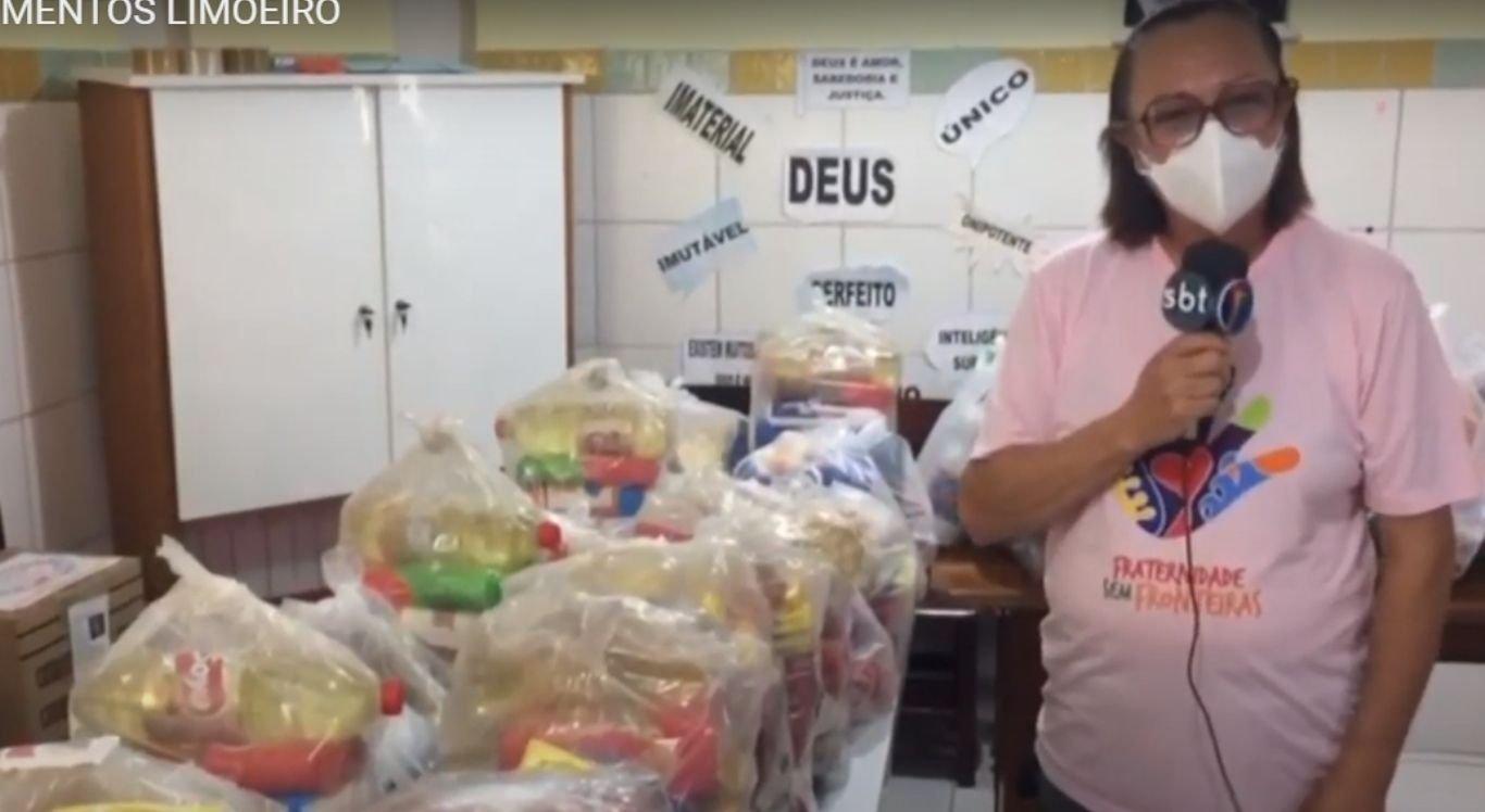 De acordo com uma das coordenadoras Elizabete Fonseca, o volume de produtos doados, entre alimentos, brinquedos, vestuários e materiais de limpeza chegou em boa hora