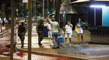 Em Boa Viagem, no Recife, Polícia Militar fiscalizou orla para evitar aglomerações