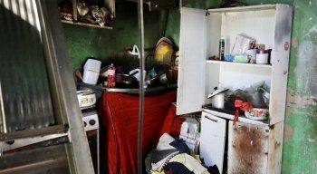 A rede de energia da casa foi desligada para evitar riscos de choque