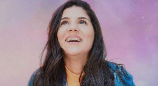 Cantora Juciara Pimentel, que estava no carro com Amanda Wanessa, recebe alta