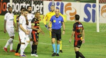 Sport teve um pênalti anulado pelo VAR e foi derrotado para o Palmeiras por 1x0, gol de Willian
