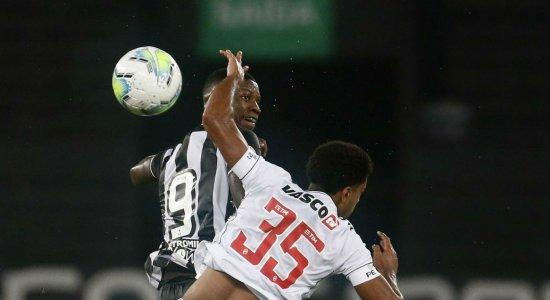 Botafogo e Vasco fazem clássico carioca em São Januário; veja onde acompanhar