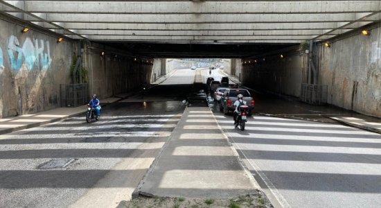 Após passar por obras, Túnel do Jordão volta a alagar