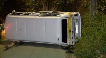 Segundo informações, a Kombisubia a ladeira, quando o veículo começou a apresentar falha mecânica