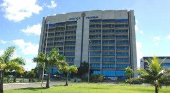 Justiça autoriza estudante com câncer