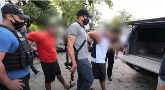 Dupla suspeita de matar policial em lanchonete no Recife já está no Cotel