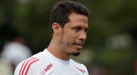 Hernanes testa positivo para a covid-19 e desfalca São Paulo