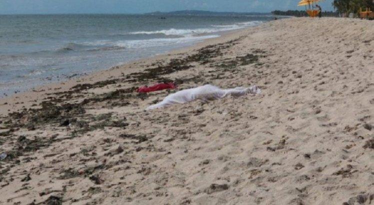 Mulher é encontrada morta em praia em Jaboatão dos Guararapes
