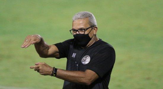 Após goleada, Hélio dos Anjos projeta primeira vitória com o Náutico fora de casa