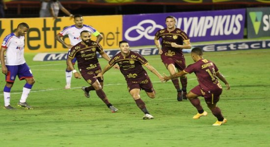 Ouça os gols da vitória do Sport diante do Bahia na voz de Aroldo Costa