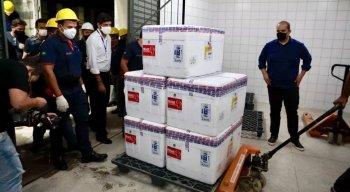 Governo de Pernambuco discute distribuição da vacina de Oxford